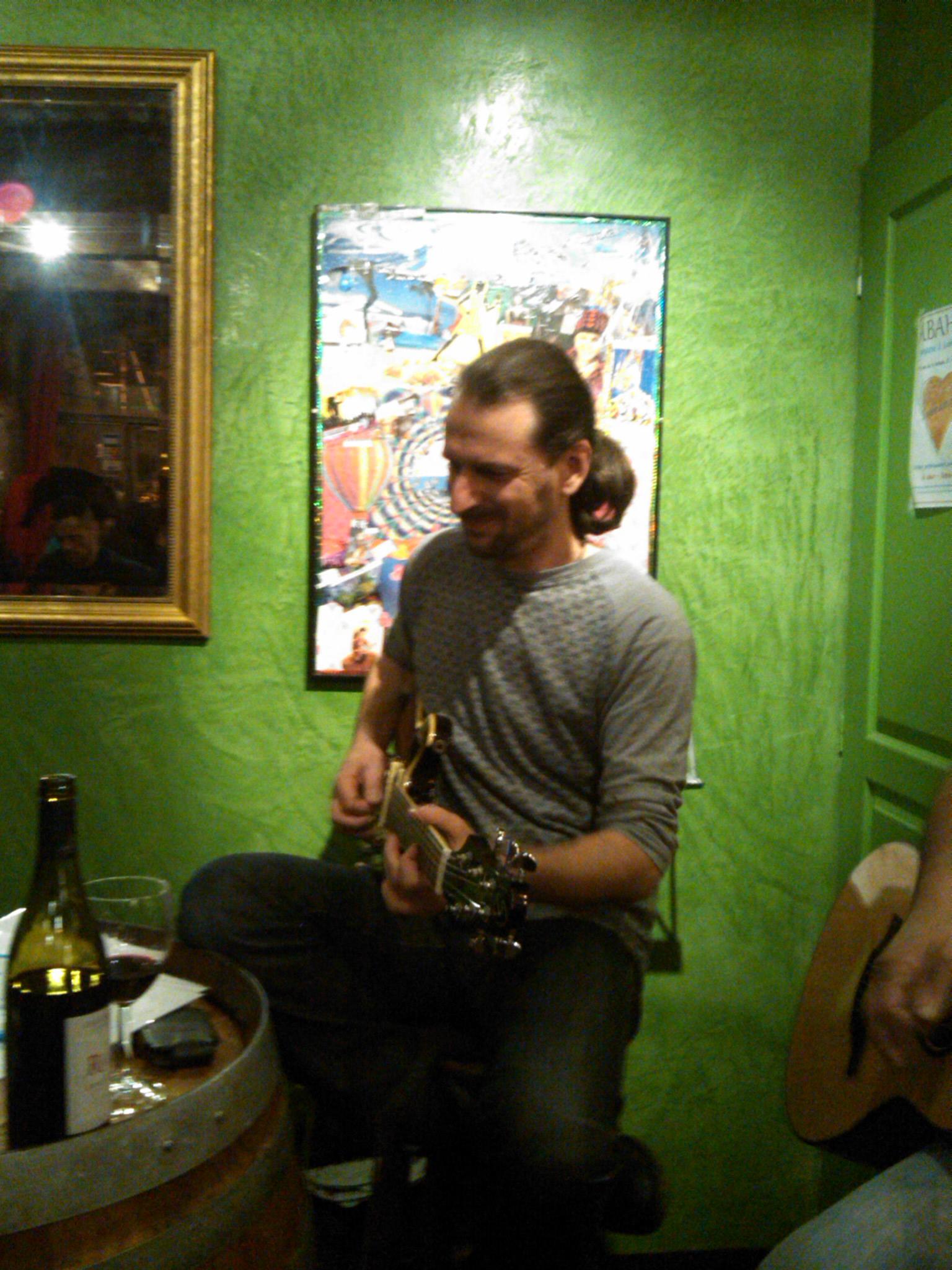 Manu à la Guitare