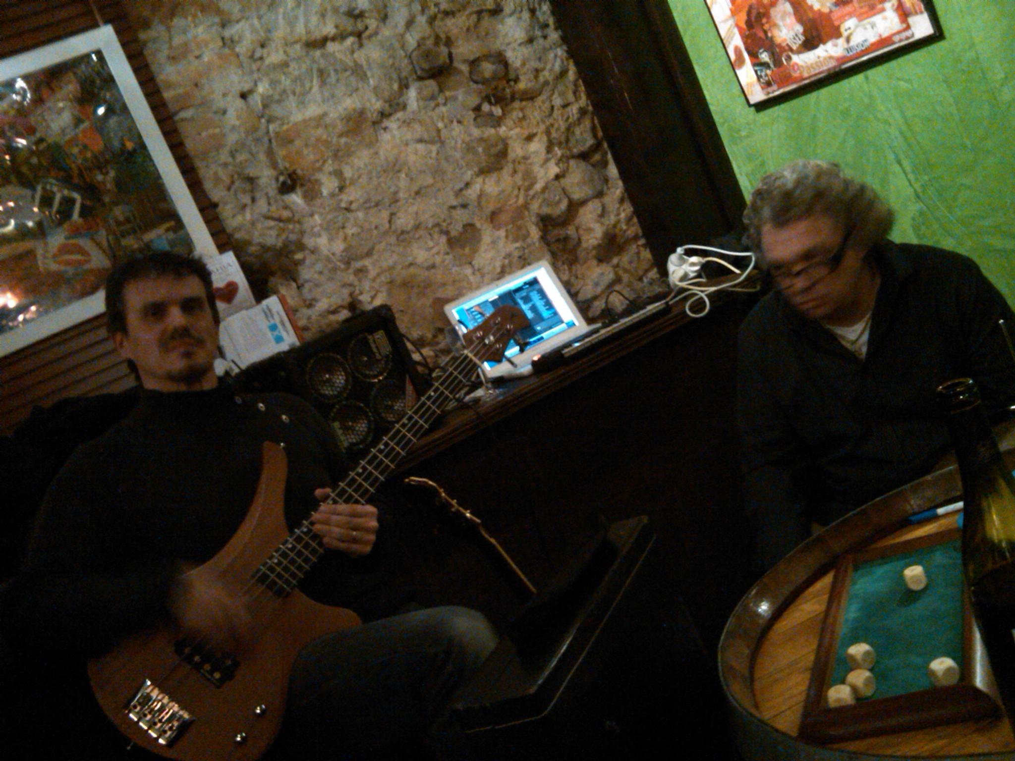 Christophe à la Batterie / Guitare / Clavier ...